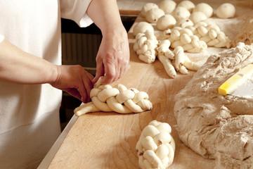 Making Traditional Czech Christmas Pastry Vanocka