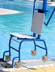 Ingenious Chair for disabled people to make use of the pool for