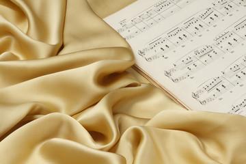 シルクと楽譜