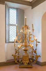 Antico candelabro