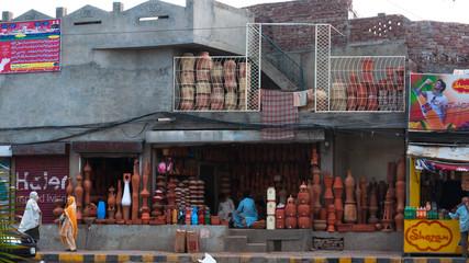 Roadside Pots seller in Lahore, Pakistan