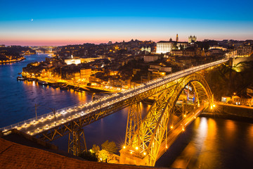 Dom Luiz bridge Porto at dusk