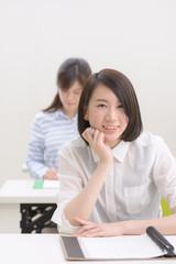 勉強中の大学生