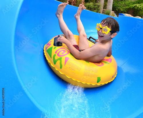 Boy at aqua park - 65919814