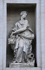 Statue on the Palazzo Poli in Rome