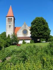 Ländliche Idylle mit Dorfkirche in Helpup bei Oerlinghausen