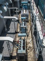 Electricity distribution transformer