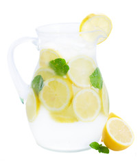 glass jar of lemonad
