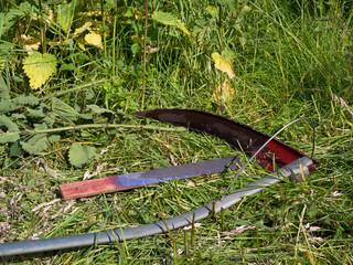 Gartenarbeit - Biotopflege - Arbeiten mit der Sense