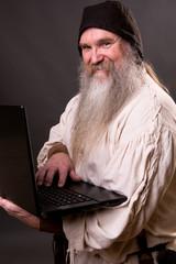 Bauer mit Laptop