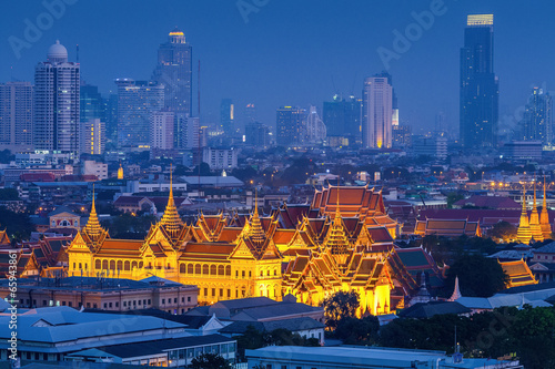 Grand palace at twilight in Bangkok, Thailand Poster