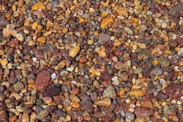 bunte Steine am Strand