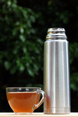 Vacuum flask and drink