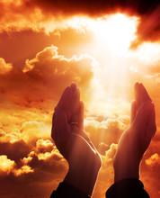 Bön till himlen - tro koncept