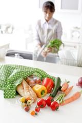 エコバックと野菜