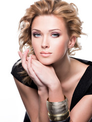 Portrait of a sensuality beautiful woman with fashion makeup.
