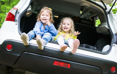 happy kids in the car