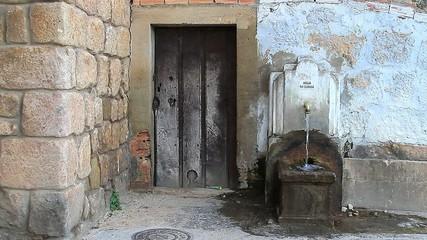 Antigua fuente
