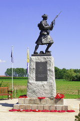 Statue of soldier ww1 royal highlanders in flanders