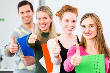 Universität Studenten haben bestanden