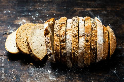 Leinwanddruck Bild Loaf of bread in two alternating cereals