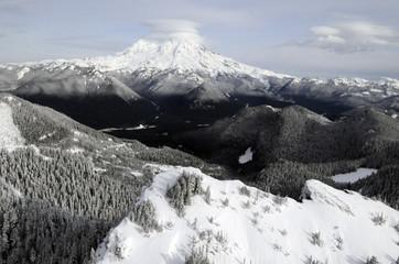 Mount Rainier, the tallest peak in Washington state