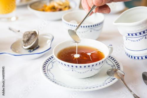 Aluminium Boord Sahne im Tee