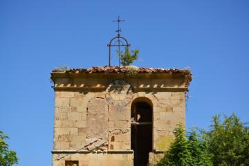 campanario en ruinas