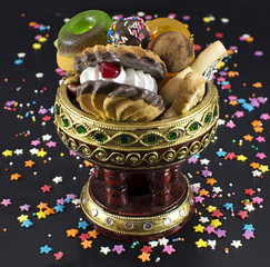 Decorated bowl with sweet things
