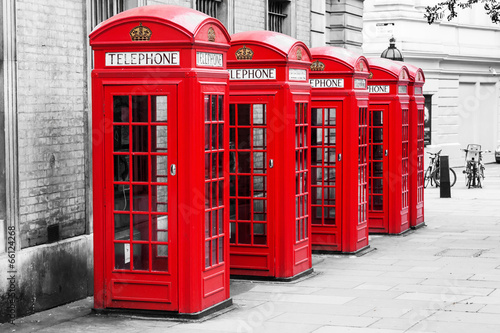 Foto op Canvas Londen Telefonzellen in London im Color-Key-Verfahren
