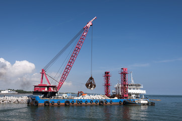 Industrial floating sea crane