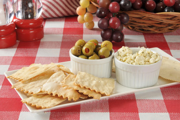 flatbread crackers with olives and feta cheese
