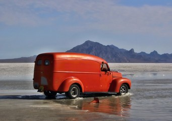 Bonneville Salt Flats in Utah with the car