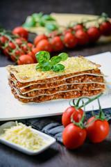 Vegane Lasagne Bolognese mit Käse-Ersatz
