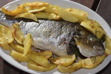 baked sea bream with potatoes