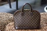 Female luxury personal fashion bag