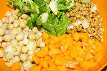 Insalata legumi e cereali