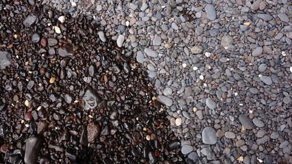 Piedras Volcánicas En Una Playa