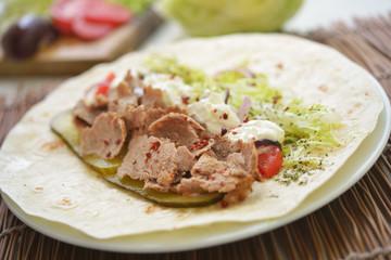 Making doner kebab