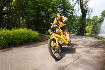 Bicycle messenger with cargo bike speeding
