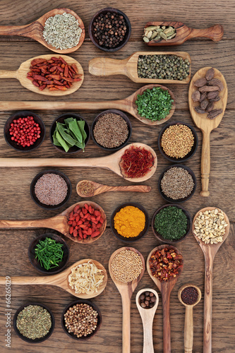 Fotobehang Assortiment Spices and Herbs