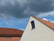 Giebel eines Wohnhauses und Gewerbebau in Oerlinghausen