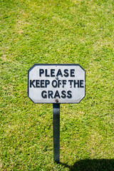 Keep Off The Grass Notice