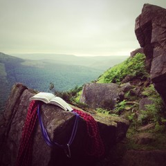 climbing in peak district