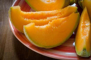 Fette di melone fresco