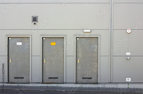 Three armor doors - 66294416