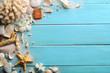 Leinwanddruck Bild - Seashells on wood