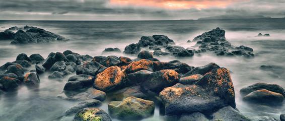 Felsen im Ozean