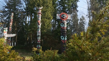 Stanley Park Totems Slider Move
