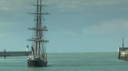 3 mâts au port